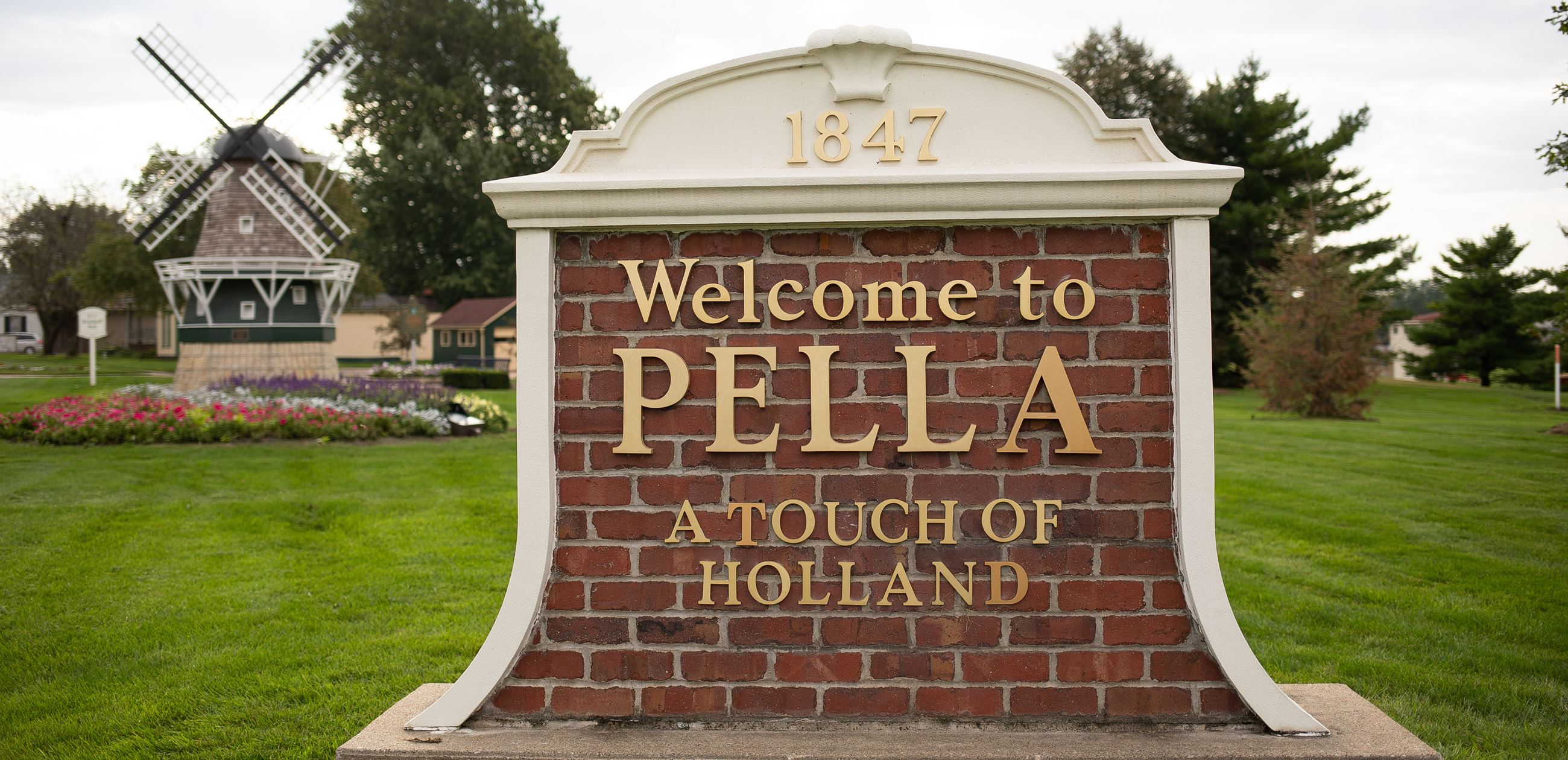 Welcome to Pella sign at Brinkhoff Park